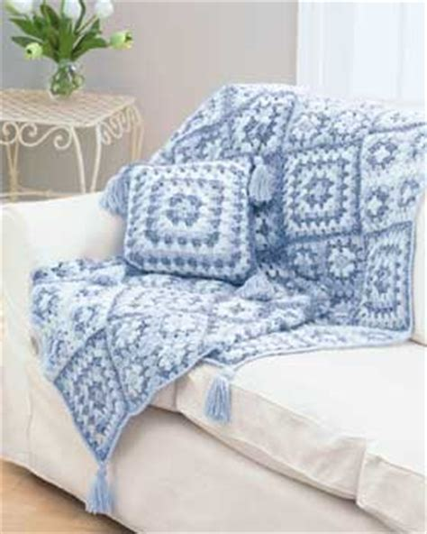 which is better crochet or knitting which do you like better crochet or knitting favecrafts