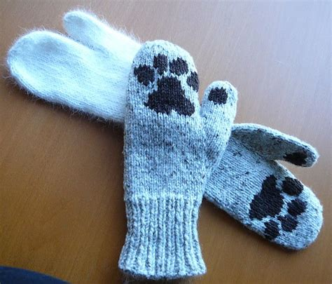 revelry knitting ravelry paw mittens free pattern by barbara larrue