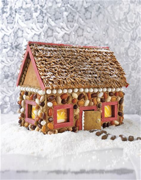 gingerbread woodwork wooden gingerbread house easy to follow how to build a