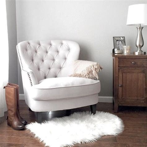 White Armchair by 1000 Ideas About White Armchair On Armchairs
