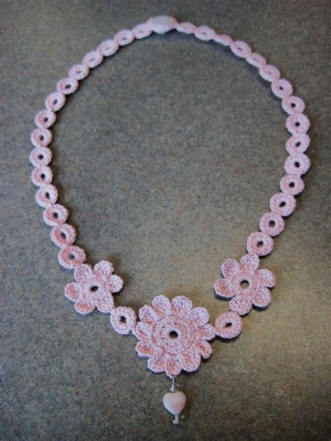 crochet jewelry see deb craft mae flower necklace
