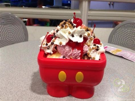 kitchen sink dessert mickey kitchen sink dessert at plaza restaurant in magic