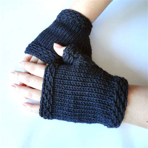 knitting gloves in the easy knit fingerless gloves purl avenue