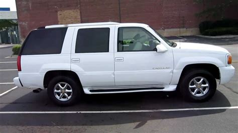 2000 Cadillac Escalade For Sale by 1999 Cadillac Escalade For Sale Chicago Clean White 99