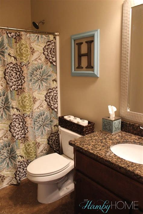 ideas for decorating bathroom 1000 ideas about decorating bathrooms on