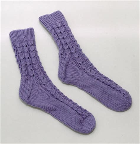 knitted bed socks free patterns easy bed socks or slippers free knitting pattern
