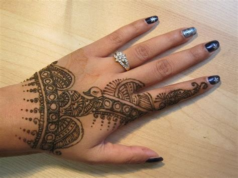 peacock design mehendi henna tattoo art traditional