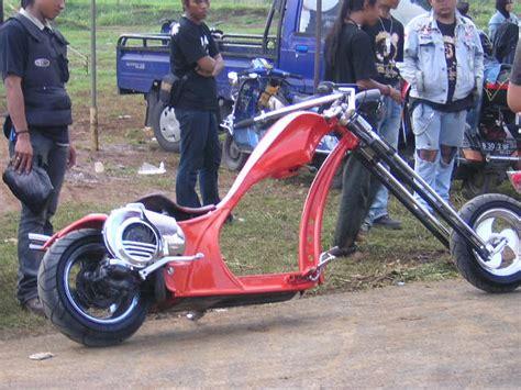 Modifikasi Vespa Racing Look by Modifikasi Motor