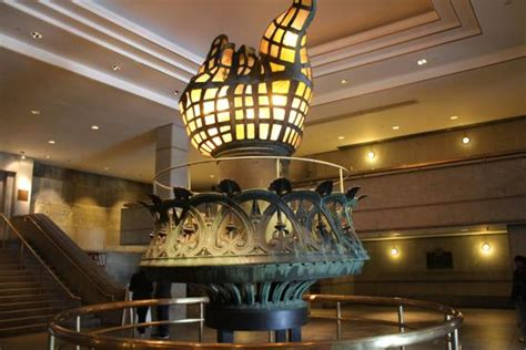 statue of liberty inside the torch imgkid com the