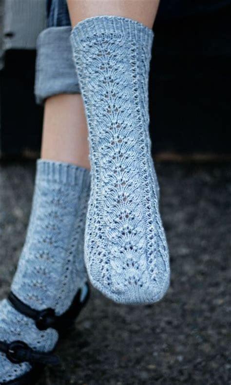 knitting socks toe up