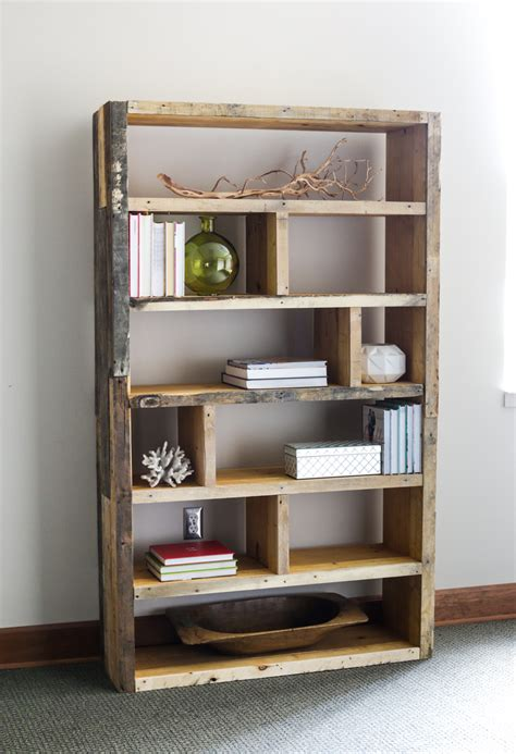diy bookshelf diy rustic pallet bookshelf