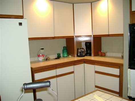 sanding and painting kitchen cabinets sanding and painting kitchen cabinets painting kitchen
