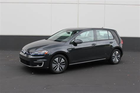 2015 volkswagen e golf term test car 2015 volkswagen e golf what we like don t like after