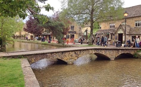 bourton on the water lights an amazing walk from bourton on the water gloucs a