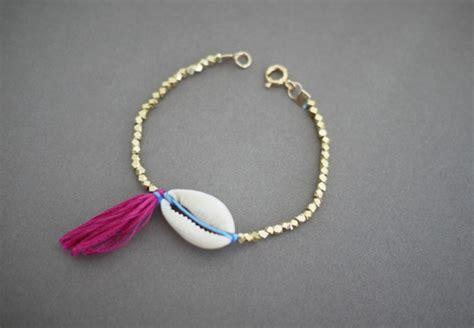 how to make seashell jewelry 15 diys to make stylish seashell bracelets guide patterns