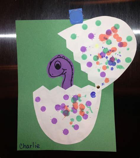 dinosaur craft projects dinosaur hatching from egg preschool craft dinosaurs