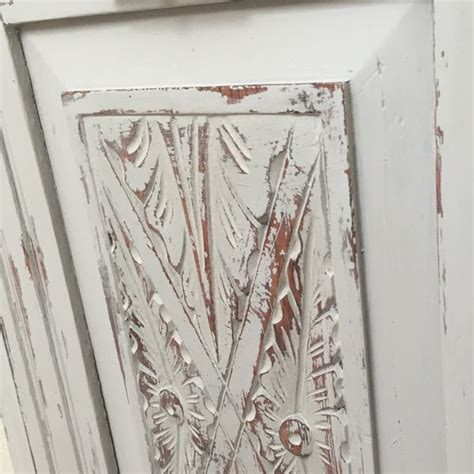chalk paint distressing tutorial 17 best images about painting techniques on