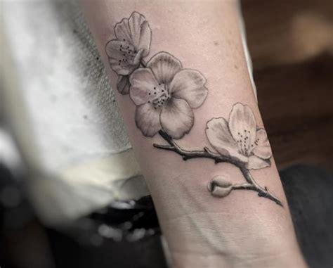 die besten 17 ideen zu kirschbl 252 ten tattoo auf pinterest