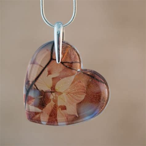 make resin jewelry 624 best images about resin on resin crafts