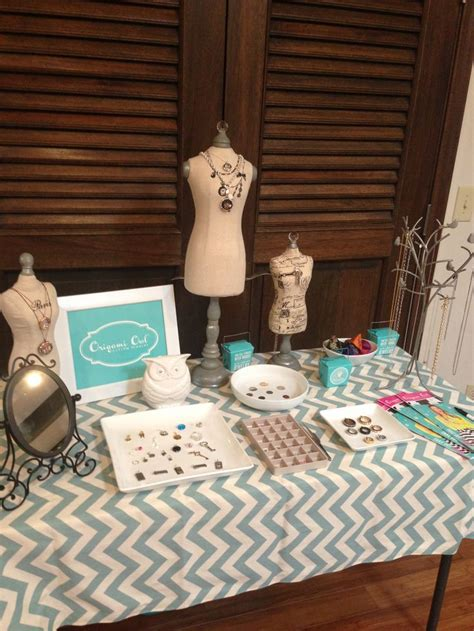 origami owl jewelry bar display 1000 ideas about bar displays on d lighting