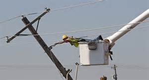 lineman restores power line after oklahoma city