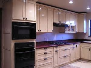 kitchen cabinets designs photos how to choose the best color for kitchen cabinets your