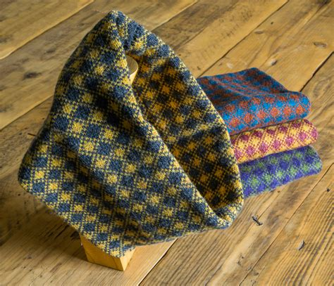scottish knitting blogs elizabeth larsen knitwear knitted accessories from the