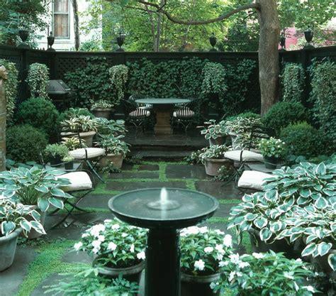 courtyard ideas 26 beautiful townhouse courtyard garden designs digsdigs