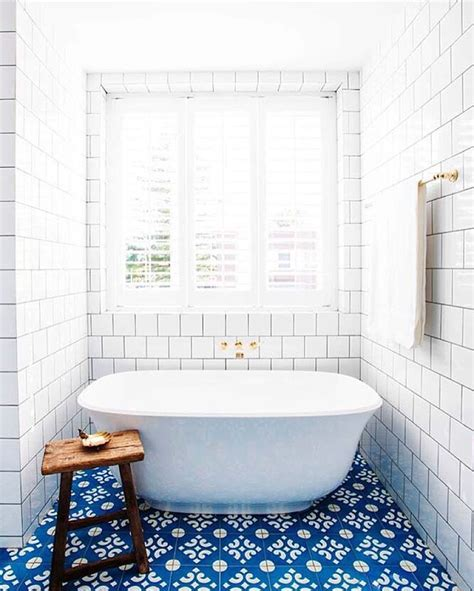 Bathroom Tiles Blue And White by The 25 Best Ideas About Bathroom Floor Tiles On