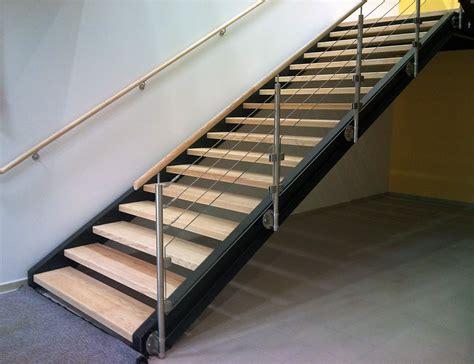 garde corps inox cable et verre pour escalier