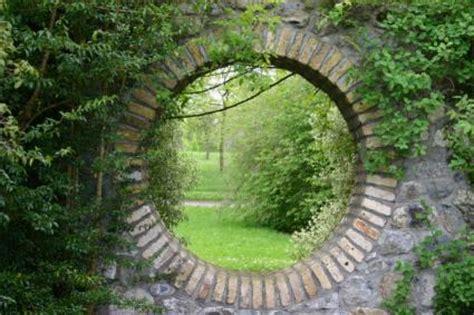 secret garden wall guide to garden walls lovetoknow