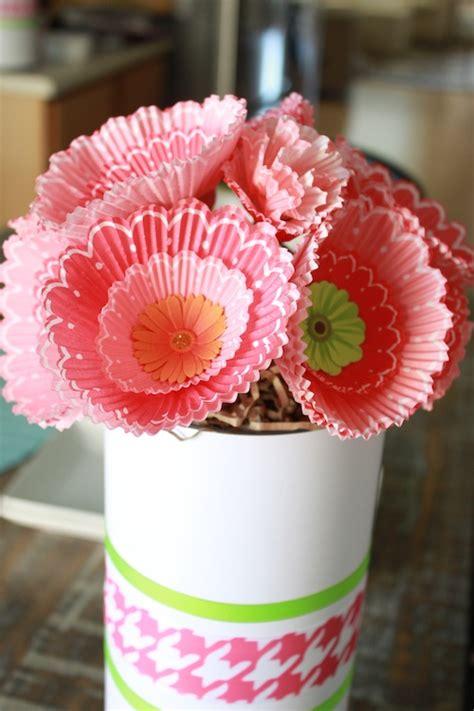 cupcake paper crafts diy cupcake liner bouquets