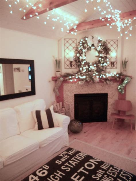 icicle lights bedroom 1000 ideas about icicle lights bedroom on
