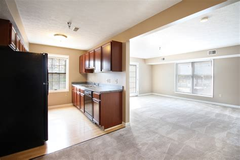 One Bedroom Apartments In Akron Ohio liberty commons rentals akron oh apartments com