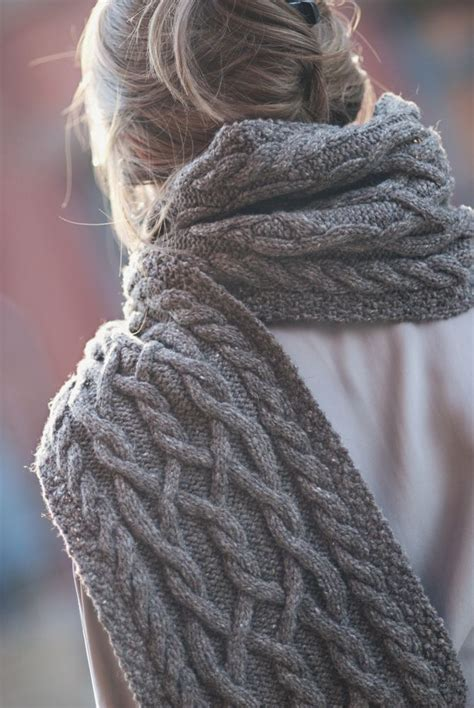 easy cable knit scarf 1000 ideas about cable knit scarves on