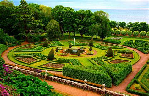 Formal garden style   Garden & Nature
