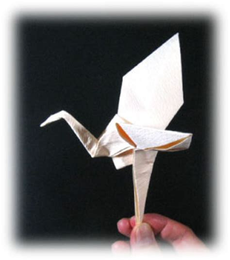flying crane origami how to make a origami crane that flies driverlayer