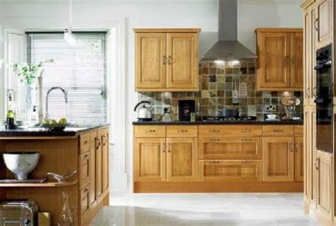 choosing paint colors for kitchen cabinets easy tips to choose kitchen paint colors with oak cabinets