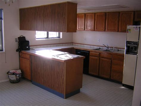 wall mounted kitchen cabinets giy it yourself kitchen makeover wall cabinets