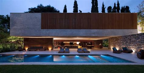 modern house with pool spectacular modern house with open design and adjacent pool