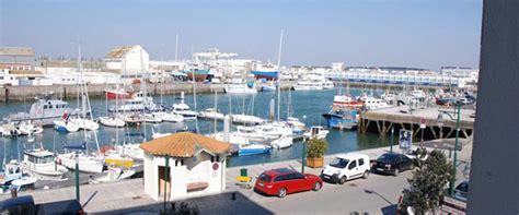 les services de l hotel restaurant du port un h 244 tel de charme aux sables d olonne