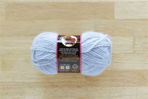 how to start a new skein of yarn when knitting diy fyi starting a skein of yarn