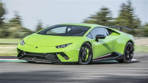 2017 Lamborghini Huracán Performante First Drive: Record