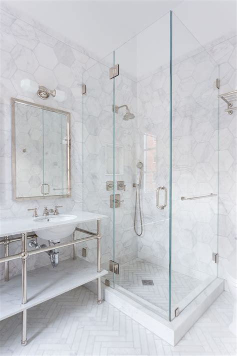 Directional Mirrors by Best 25 Herringbone Marble Floor Ideas On Pinterest