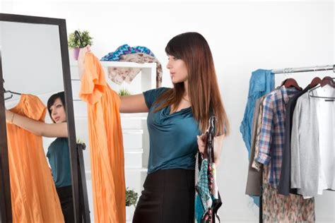5 Tips To Get Dressed Faster In The Morning