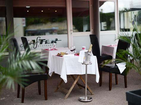 traditional restaurant in port en bessin