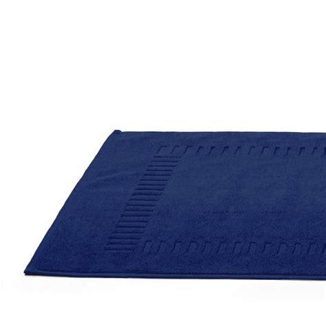 tapis de bain 50x70cm coton uni bleu marine linnea vente de linge de maison