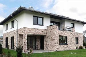 Moderne Häuser Walmdach : r ben handstrichziegel wiesmoor kohle wei haus pinterest haus klinker und haus bauen ~ Markanthonyermac.com Haus und Dekorationen