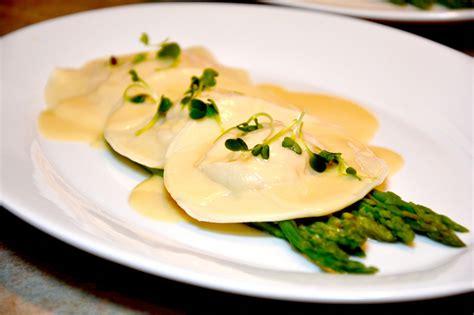 raviolis de homard p 226 tes fra 238 ches et beurre blanc
