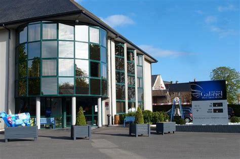 ベット picture of hotel gabriel mont michel tripadvisor
